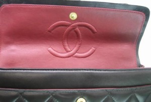 fake-chanel-inside-second-flap1