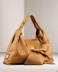 Valentino-premier-bow-camel
